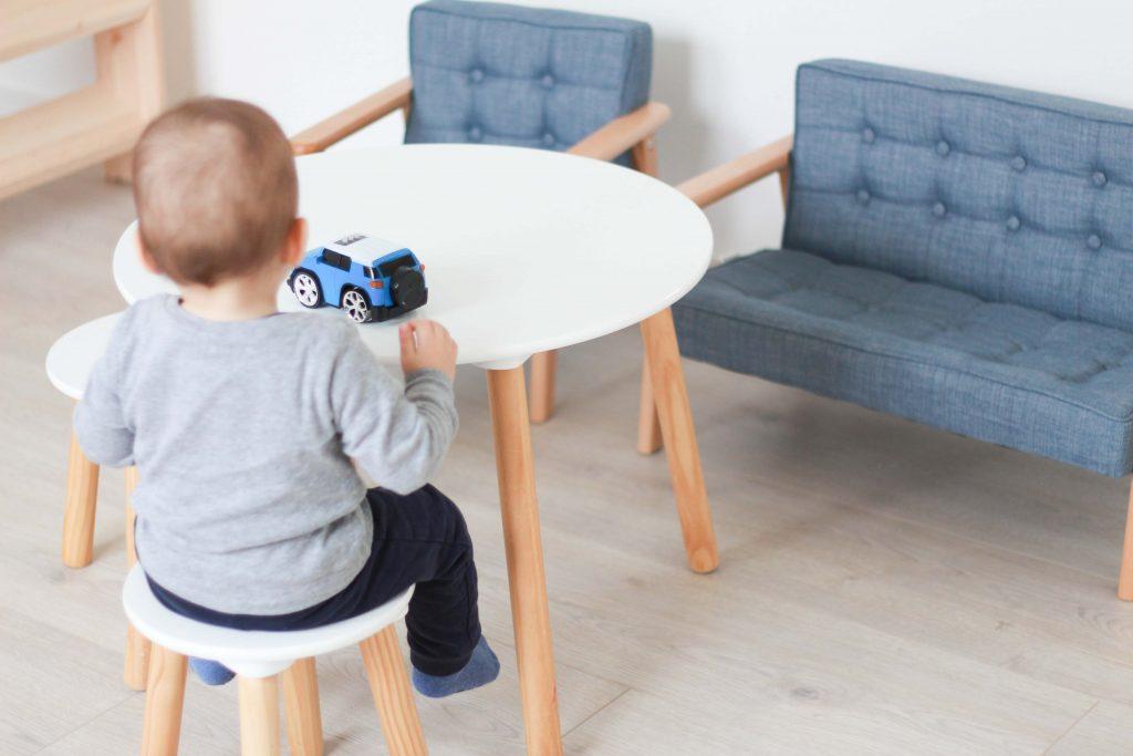 Spielzimmer einrichten - Ideen und Tipps_Jollyroom Sitzecke_1
